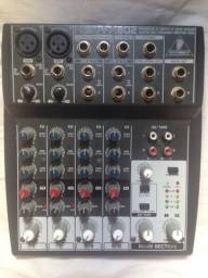 mesa de som Mesa Behringer Xenix 802