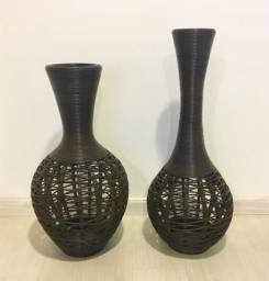 2 garrafas/vasos de fibra (tabaco)