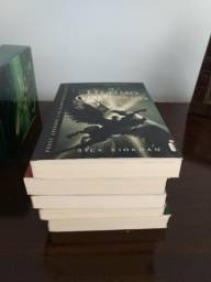 Box Percy Jackson e livros extras