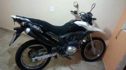 Vendo uma moto honda Bros nxr 160 - 2016