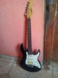 Vendo ou troco uma guitarra yamaha EG 112