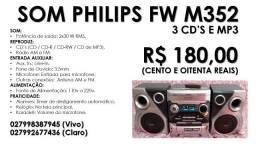 Som Philips FW M352 com 3 CD's e MP3