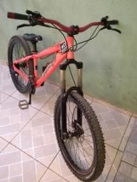 Vendo ou troco essa bike DH em som automotivo residencial ou comum