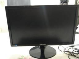 Monitor Sansung e Teclado