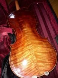Troco por outro violino.