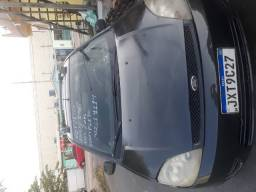 Carro Fiesta Sedan Completo