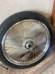 Vendo roda dianteira com pneu da fan 150