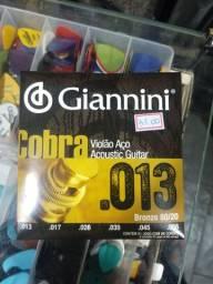 Encordoamento 013 para violão de aço Giannini
