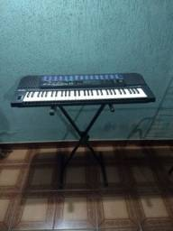 Piano Casio CT 680