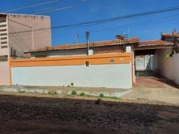 Alugo casa com 3 quartos em Parnaiba-PI