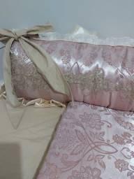 Vendo kit berço rosê luxo com almofada amamentação