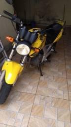 Twister 2008 amarela