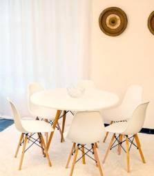 ! Conjunto de mesa 1,10 x1,10 Estilo Eiffell 4 cadeiras 10 X89,90