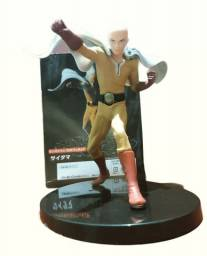 Action figure saitama one punch man