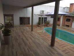 Casa com Piscina 3 Dorm, 2 vagas, churras, área coberta, piscina, studio