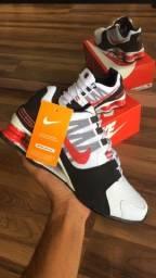Tênis Nike Shox Evenue