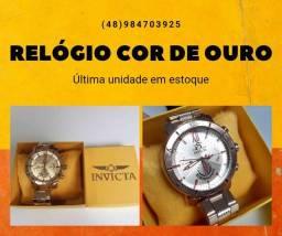 Relógio Cor prata e cor de ouro