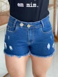 Short Jeans Claro com Destroyed 2 botões