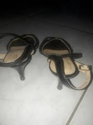 Vende se esses 2 sapatos!!!!  U R G E N T E