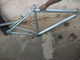 Título do anúncio: Quadro de bicicleta em alumínio