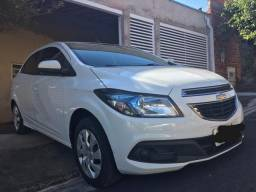 (leandra)    GM chevrolet ônix hatch LT 1.4 8 V flexpower 5 P automático