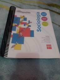 Livros e Blusa colégio Sesi