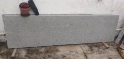 Granito. Medindo 186 X 51cm e 1.77x51cm