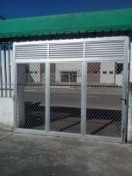 Portão de alumínio - Semi-novo