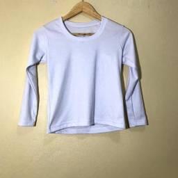 Vendo duas blusas brancas manga longa