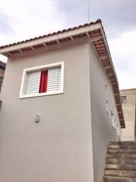 Casa em Ferraz de Vasconcelos, 2 dormitórios, 2 banheiros.