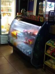 Balcão refrigerado.