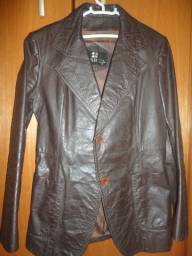 Lindo casaco em couro