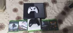 Vendo Xbox One + Game Pass Ultimate de 6 Meses.