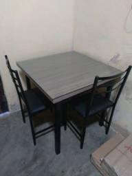 Mesas com tampo de vidro