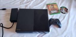 Xbox one praticamente novo com 1 controle e 2 jogos midia físicas.