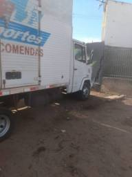 Caminhão Mercedes Bens  710