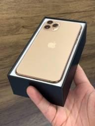 iPhone 11 Pro Max 64GB Dourado - Saúde da bateria 100%. Até 18x no cartão! Semi novo 64 GB