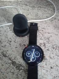 Vendo relógio moto 360 primeira geração praticamente novo