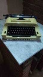 Máquina de escrever remington 20 excelente estado na caixa