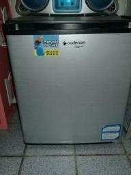 Vendo geladeira, frigobar, 2 som