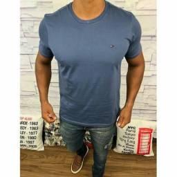7132f06530 Camisetas básicas de viárias marcas.