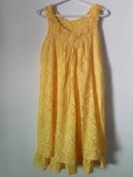 Vestido amarelo rendado