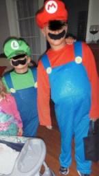 """""""Fantasias Mario (10) e Luigi ( 8) em santa cruz do sul"""