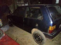 Fiat Uno 94 valo 3.000 pra vender logo liga ai