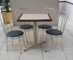 Conjunto mesa com 4 cadeiras para buffet/lanchonete/restaurante/bar