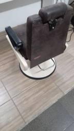 Cadeira Ferrante para barbearia, reformada