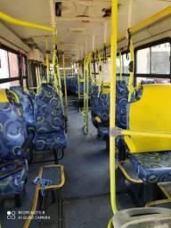 Vendo ônibus bem conservado