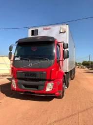 Caminhão Volvo 330 Bitruck