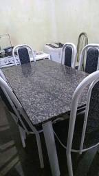 Mesa de conzinha de 6 cadeiras semi novo