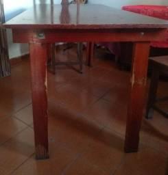 Mesa de 4 cadeiras ( obs: só a mesa )